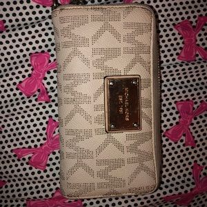 Authentic Michael Kors Used Wallet for Women